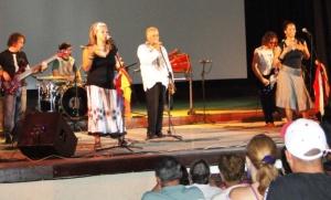 El grupo Síntesis durante un reciente concierto en el cine-teatro Luisa, de Cienfuegos.
